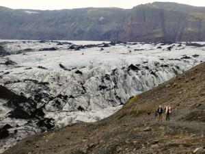 Island reseskildring glaciären Solheimajökull nära Vik
