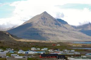 Island reseskildring lilla fiskebyn Djupivagur