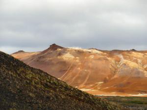 Island reseskildring månlandskap vid Myvatn