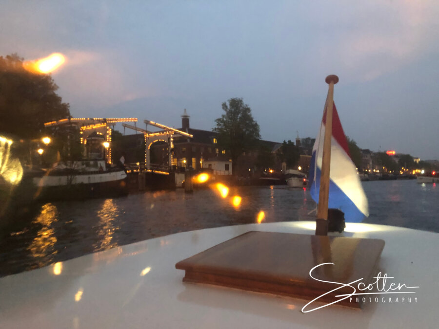 Evening tour with Jewel Cruises Saloon boat