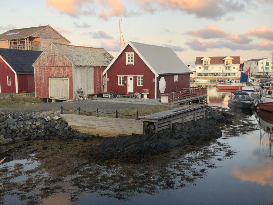 Den lilla fiskebyn Veiholmen