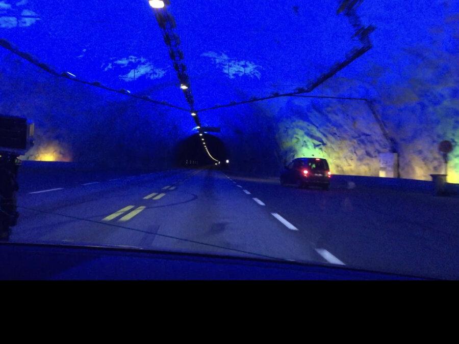 """En av """"katedralerna"""" i Laerdals tunneln - världens längsta - 24,5km"""