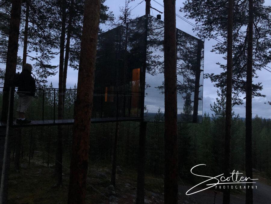 Tree Hotel Mirror Cube